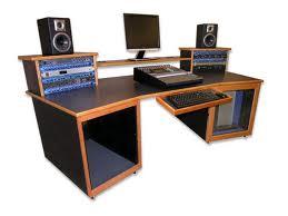 izrada stola za muzicki studio, audio namestaj